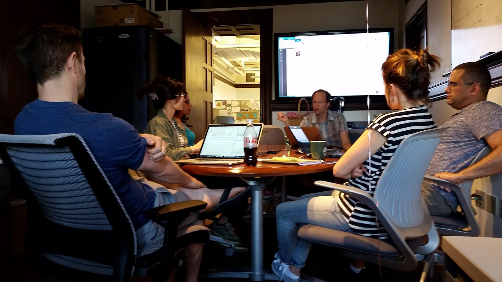Lab meeting discussing indicators for IPBES 2017