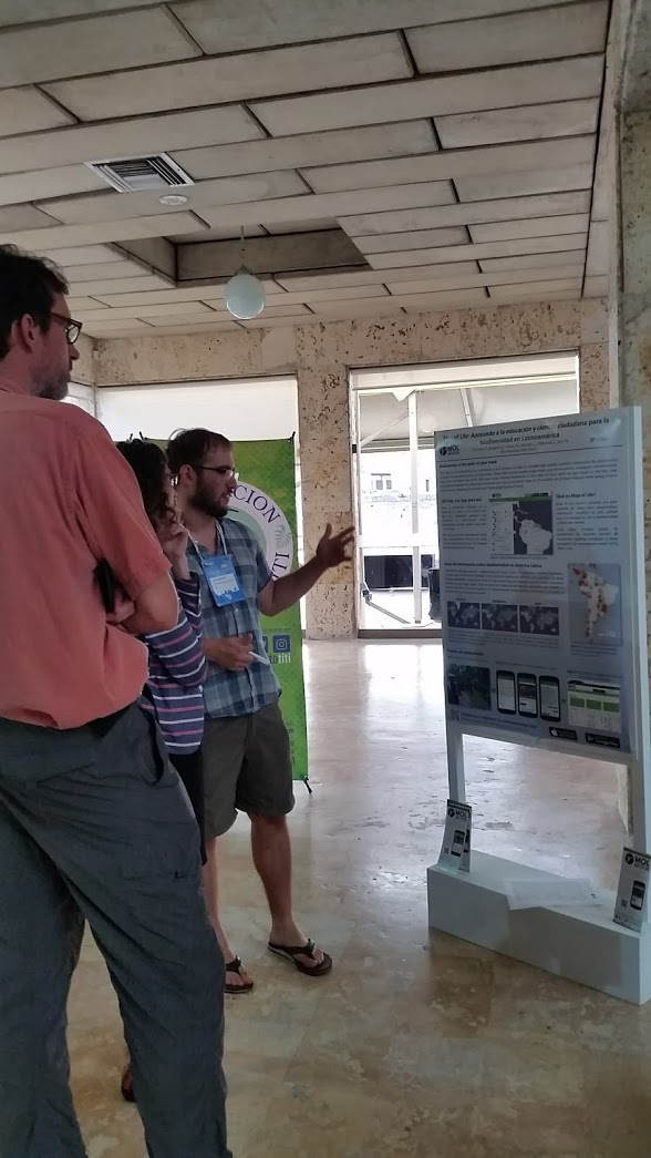 Diego presenting the Map of Life app at ICCB 2017