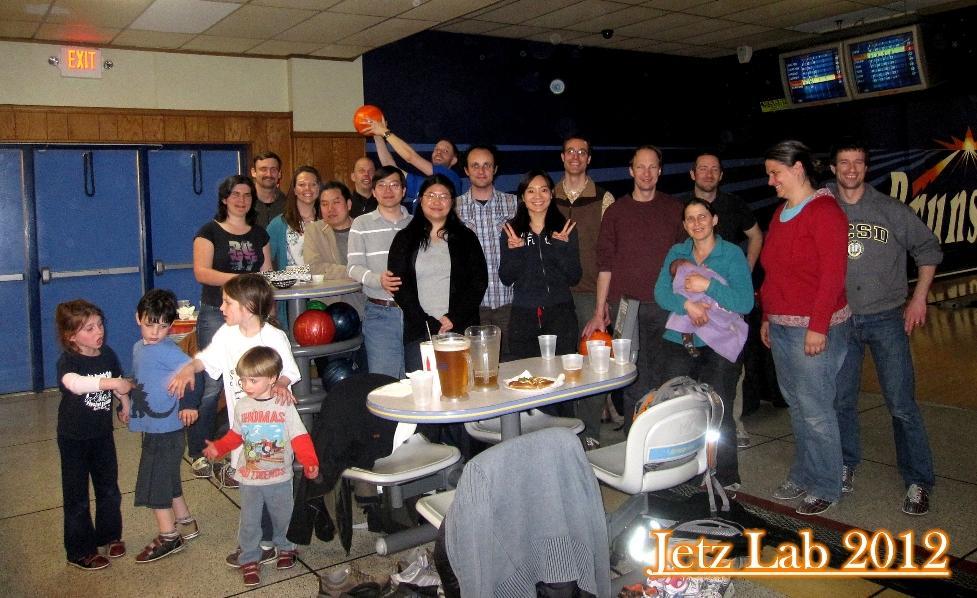 Jetz Lab + family, Bowling (!) Apr 2012